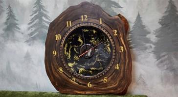 Часы из эпоксидной смолы